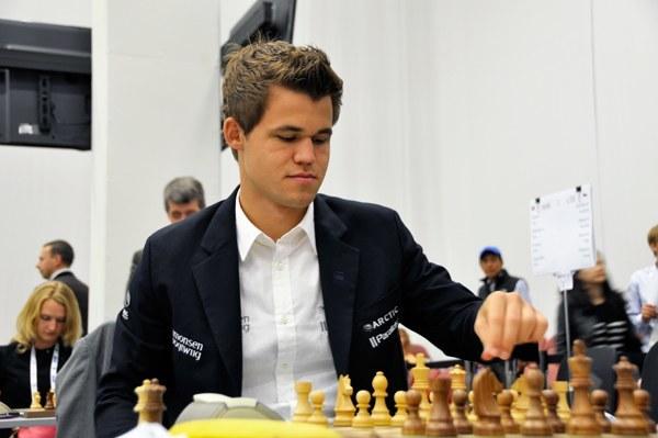 Carlsen Nasıl da Kolay Kazanıyor.