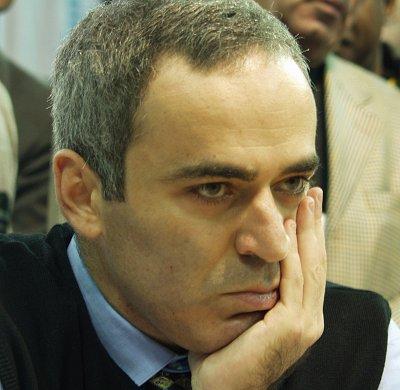 """Kasparov'dan FIDE'ye: """"Türkiye'ye şans verin"""""""