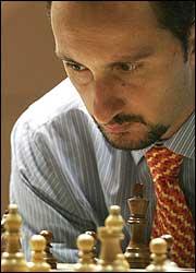 Topalov, Kasparov'un gölgesinden kurtuldu