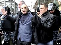 Kasparov tutuklandı!