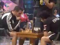 Okan Bayülgen'in Satranç Boks Maçı
