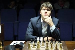 Tur 13: Carlsen ve Kramnik Eş Puanda