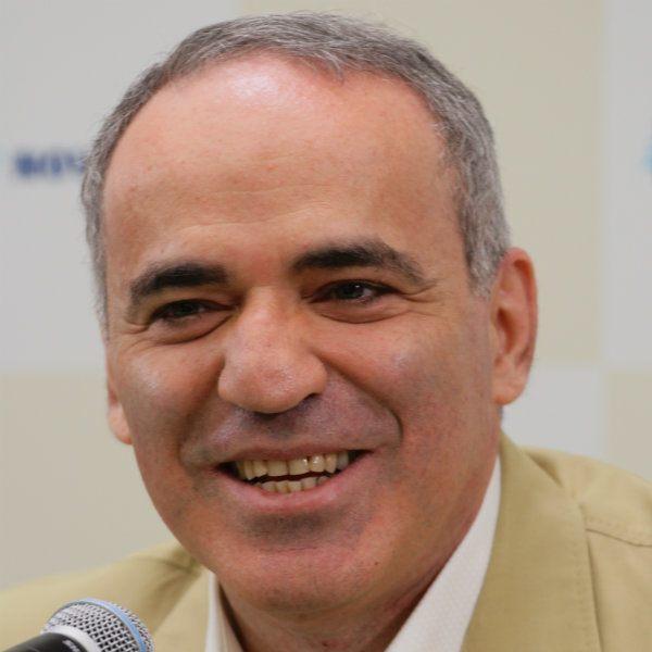 Kasparov 50 yaşında!