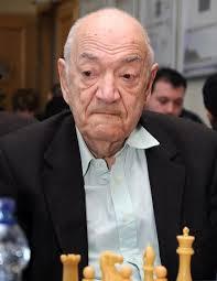 """Efsane Büyükusta'dan Şok İddia: """"Carlsen hipnotize ediyor!"""""""