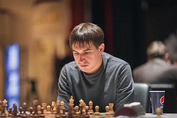 Ummadık Taş Caruana'nın Başını Yardı