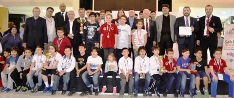 Şampiyonlar Dinamik Satranç Çift Ünlem ve Güç Birliği