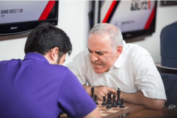Kasparov'u Yıkamadılar