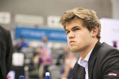Satrançseverler Carlsen'e laf etmeden önce iyi düşünün!