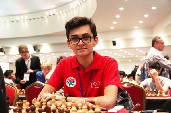 Vahap Şanal, Carlsen'i Nasıl Yendi!
